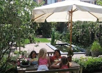Tuin met vijver Leiden